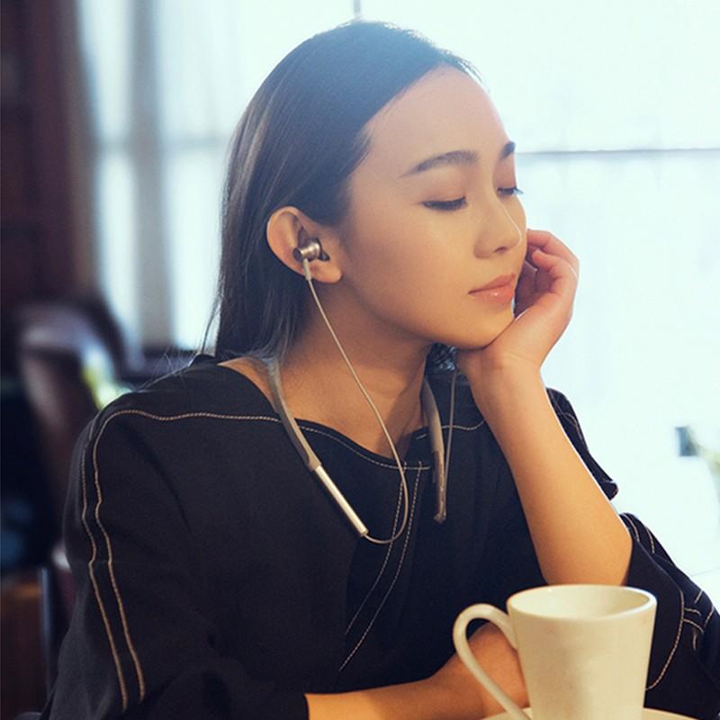 Xiaomi Mi Bluetooth Neckband Earphones (2)