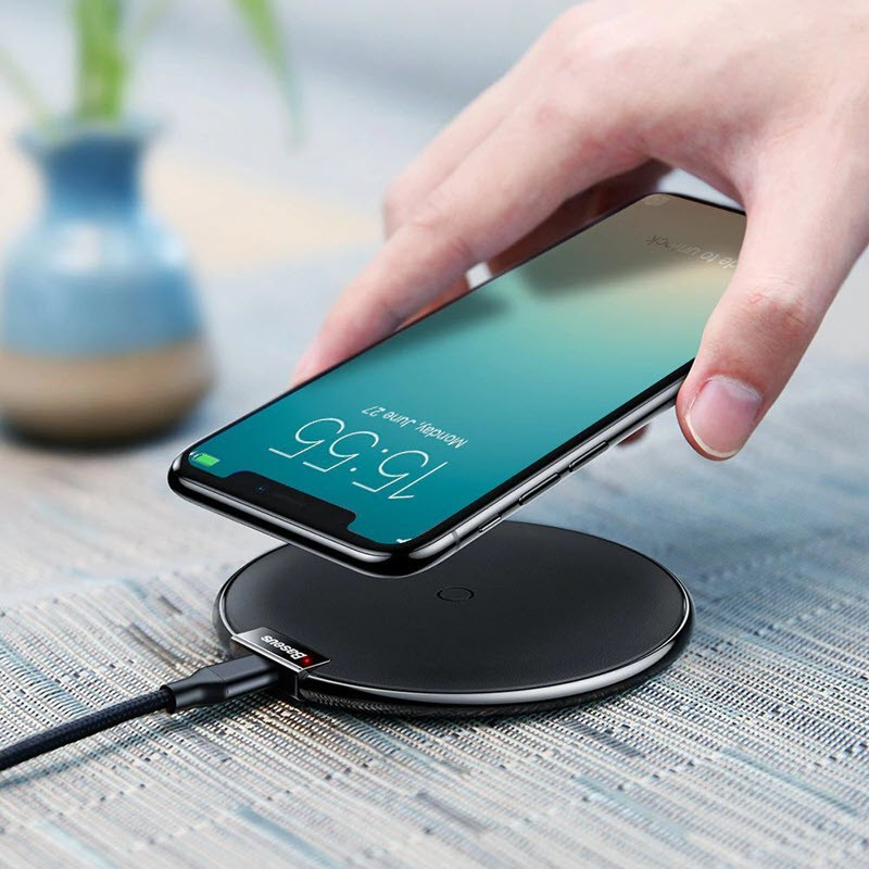Baseus Qi Wireless Charger (1)