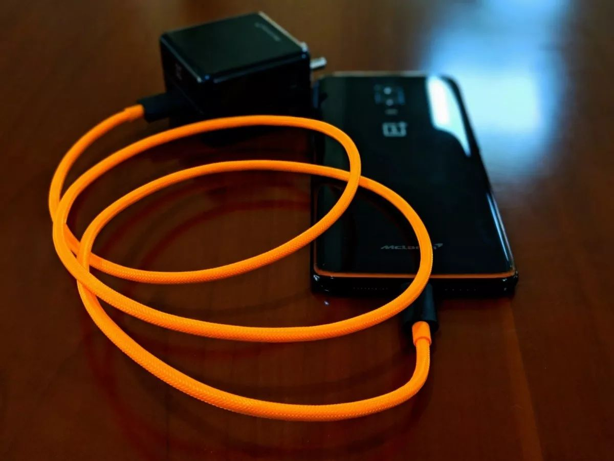Oneplus Mclaren Dash Charge Data Cable (4)