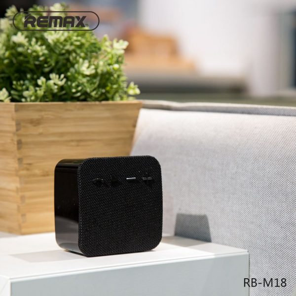 Remax Rb M18 Fabric Portable Bluetooth Speaker (2)
