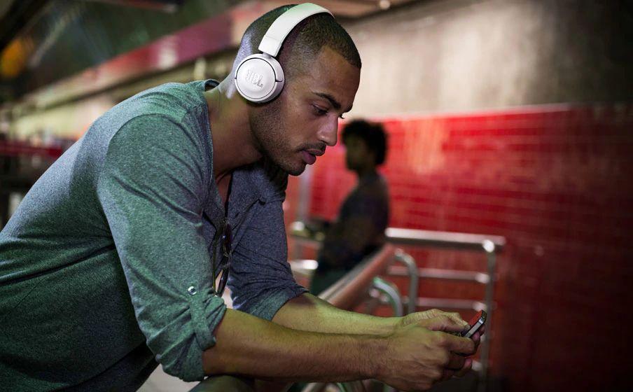 Jbl T450bt On Ear Wireless Headphones (5)