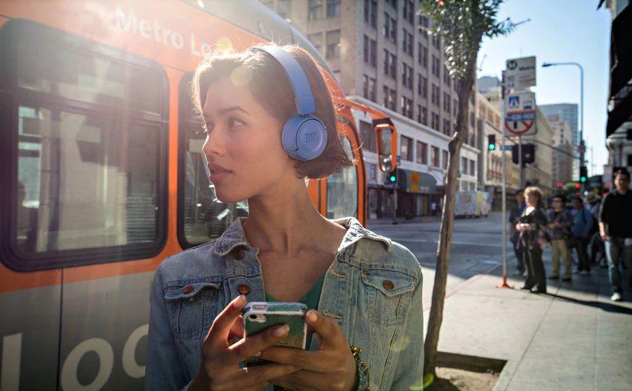 Jbl T450bt On Ear Wireless Headphones (7)