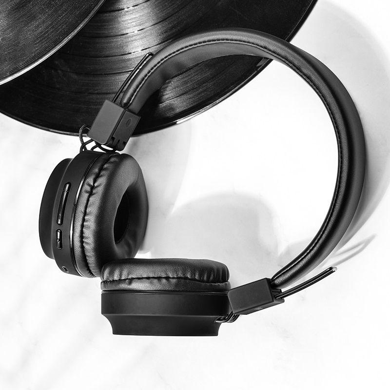 Hoco W25 Wireless Headphones With Mic (3)