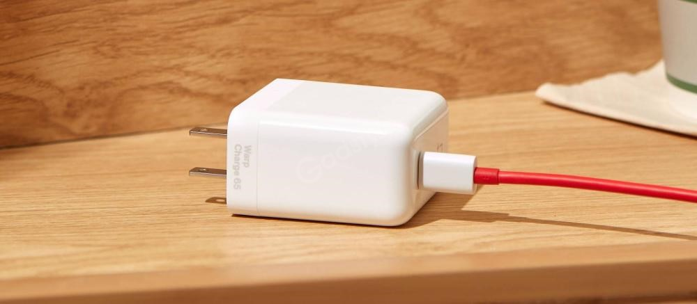 Oneplus Warp Charge 65 Power Adapter (4)