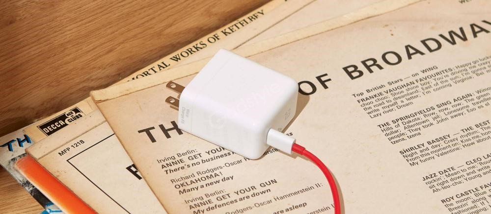Oneplus Warp Charge 65 Power Adapter (5)