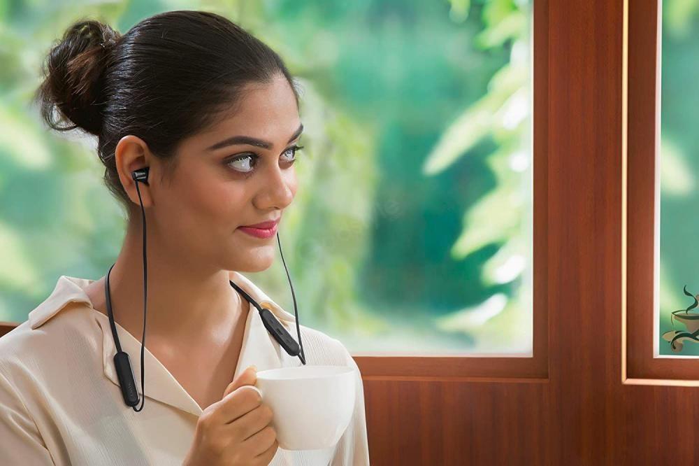 Sony Wi C200 Wireless In Ear Headphones (5)