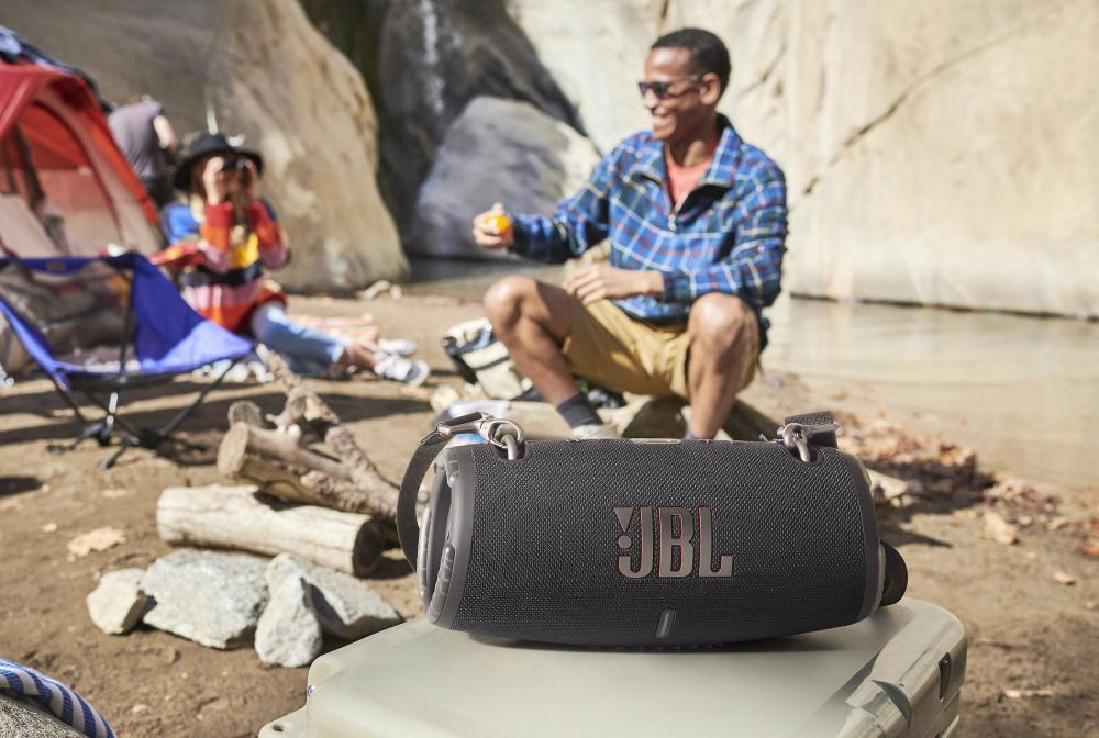Jbl Xtreme 3 Portable Waterproof Bluetooth Speaker (6)