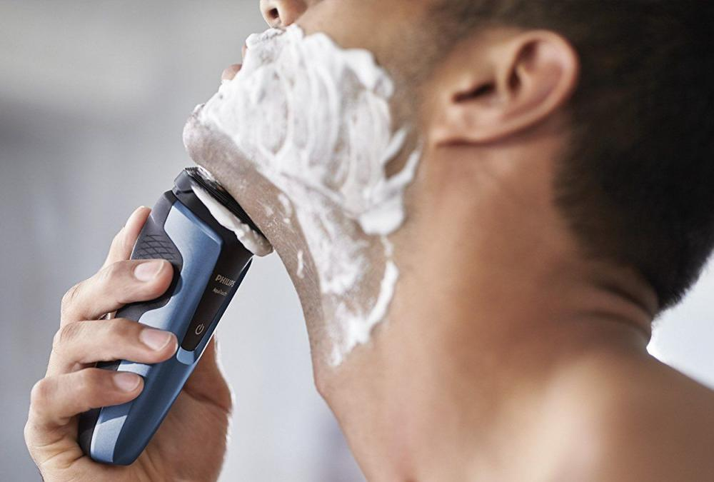 Philips S1070 Aqua Touch Electric Shaver (2)