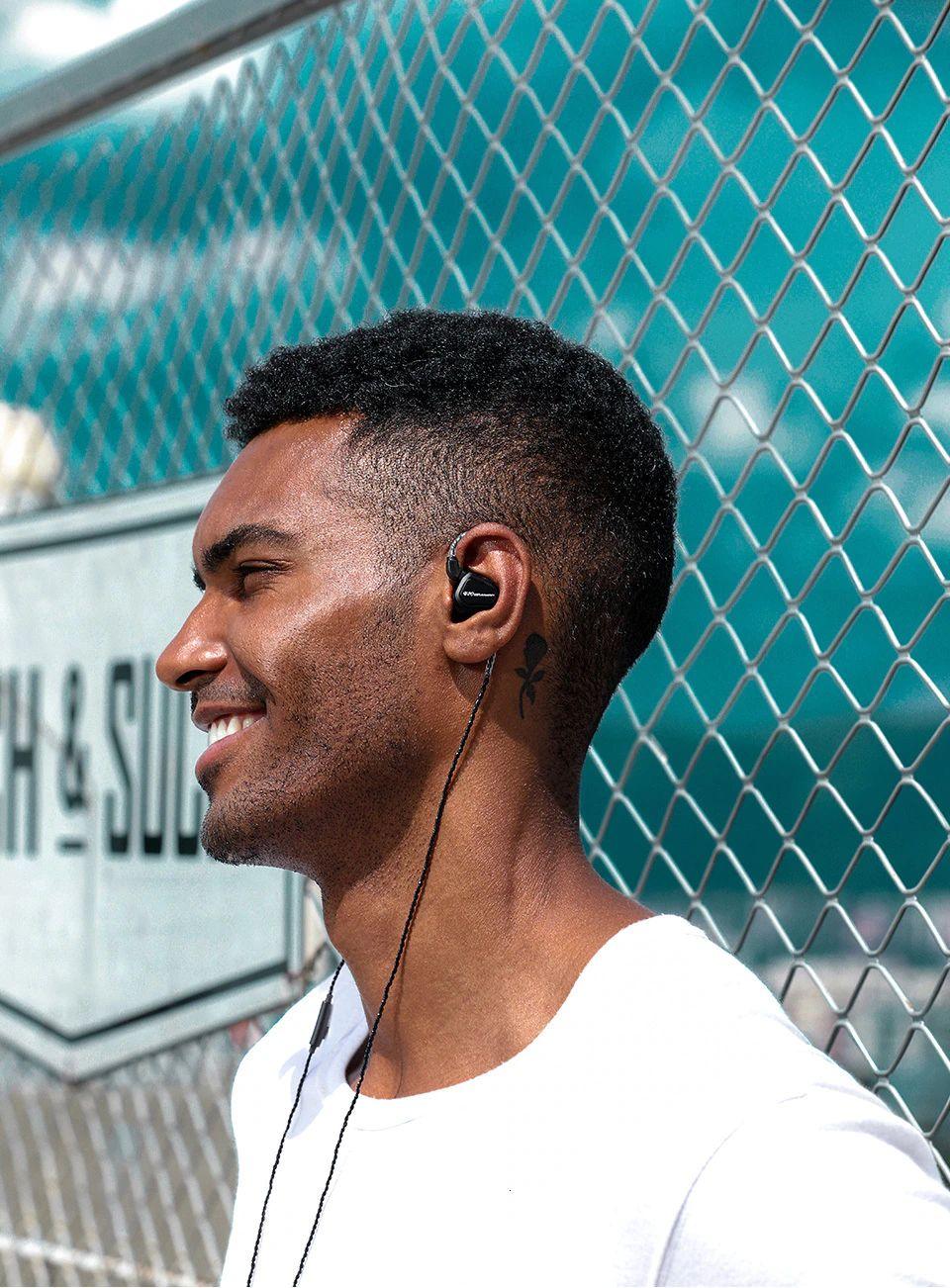 Trn V20 Hybrid In Ear Earphone (3)